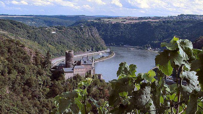 Castillo medieval Katz, y roca Lorelei