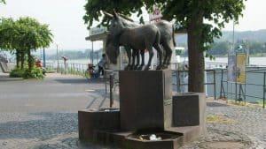 Fuente de burros, paseo del Rin, Königswinter
