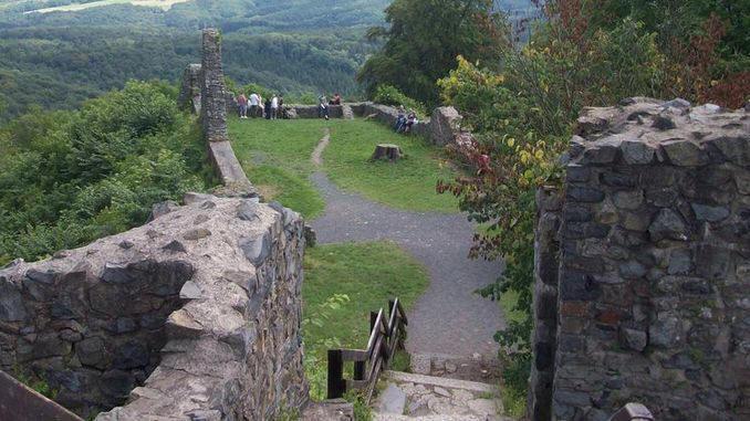 Ruina medieval Löwenburg, Siebengebirge, Bad Honeff