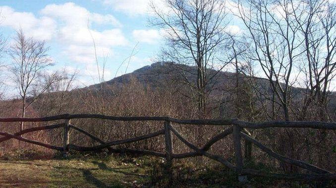 Ölberg, vista del castillo medieval Rosenau